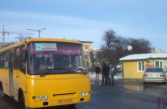 Як їздитимуть маршрутки Львів-Винники на час ремонту вулиці Личаківської