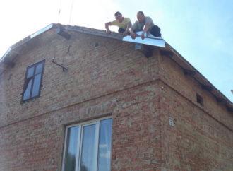 Винниківські комунальні будинки ремонтують
