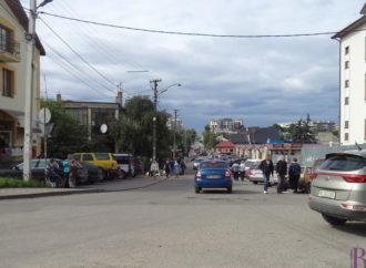 У Винниках розпочали ямковий ремонт вулиці Івасюка