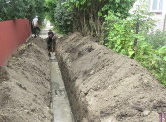 У Винниках споруджують водомережу на вулиці Олени Теліги