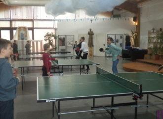 У Винниках розпочався турнір із настільного тенісу