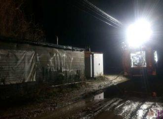 У Винниках у металевому вагончику загинув чоловік (Фото)