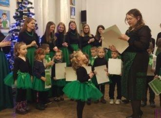 У Винниках відбувся різдвяний концерт дівочого хору та новостворених ансамблів мистецького проекту «Зґарда»