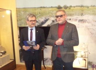 У Винниках урочисто відкрито виставку «Врятовані скарби України»