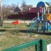 У Винниках ремонтують дитячі майданчики