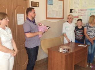 У Винниках привітали медичних працівників місцевої поліклініки