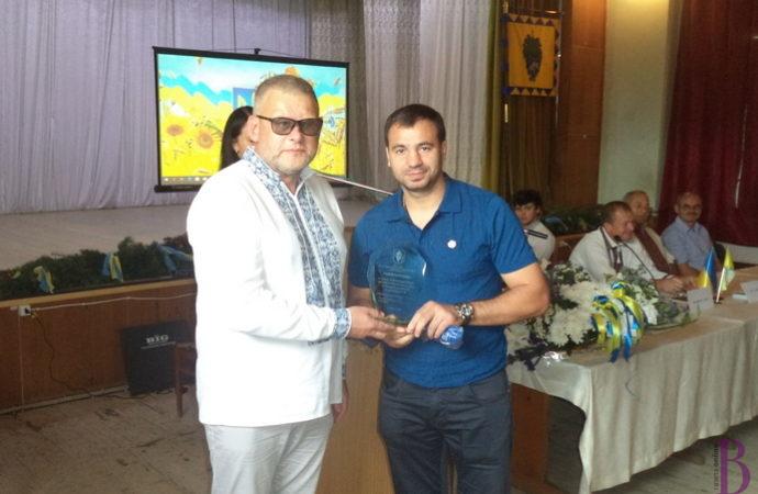 Почесний громадянин Винник з нагоди Дня Конституції отримав звання «Заслужений працівник фізичної культури та спорту України»