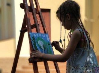 Юних художників Винник запрошують до участі в конкурсі «Наша казкова країна»