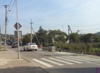 У Винниках розпочали будівництво тротуарів на вулиці Івана Франка