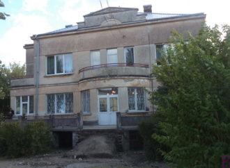 У винниківській школі «Берегиня» ремонтують сходи