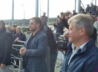 Міський голова  Володимир Квурт привітав футболістів-ветеранів Винник і збірної України