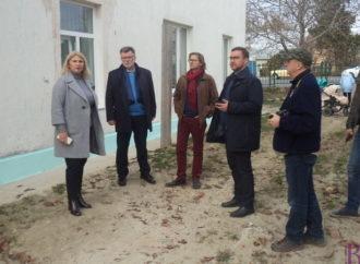 Посадовці з Польщі знайомляться з роботою позашкільних закладів Винник