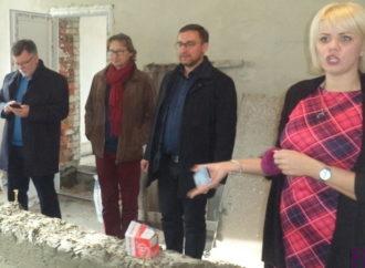 У Винниках триває реконструкція басейну в дитячому садочку