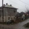 На вулиці Лесі Українки ремонтують дах комунального будинку