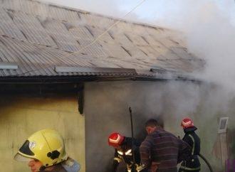 Винниківські пожежники врятували від вогню майно мешканців села Журавники