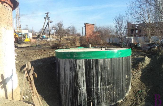 У Винниках триває реконструкція КНС на вулиці Кільцевій