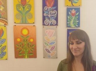 Педагог-художниця Олена Зозуля представила виставку «Блукала Маланка»