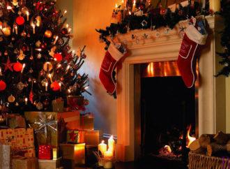 Різдвяна історія:  водій, почувши, що дівчинка давно проїхала зупинку, не залишив малу, а повіз до бабусі