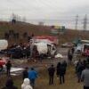 Автотроща у Чишках: винниківські рятувальники вирізали з авто батька й сина та водія буса (фоторепортаж)