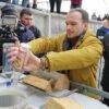 У Винниках розпочали утилізовувати 14 тонн алкоголю-фальсифікату: першу пляшку вилив міністр юстиції (фото)