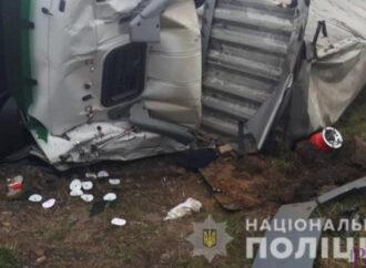 У Винниках вантажівка потрапила в кювет