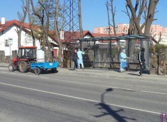 У Винниках виконують дезинфекцію зупинок громадського транспорту