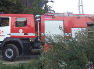 У Винниках пожежники разом із сусідами врятували життя людині