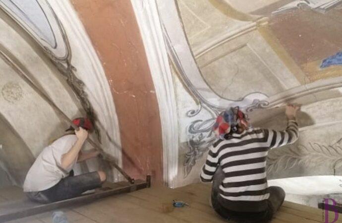 У винниківському храмі під шаром фарби знайшли унікальні фрески