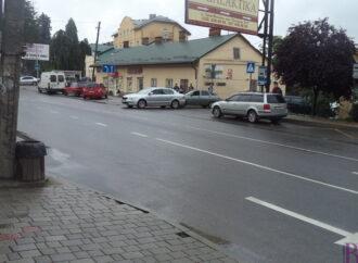 Аварія на виїзді з вулиці Миколайчука