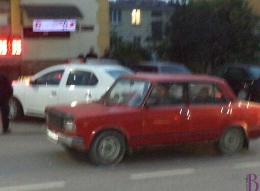 На вулиці Івасюка у Винниках не розминулися два легковики
