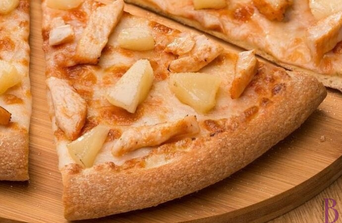 Піца з ковбасою – універсальна страва для будь-якого свята
