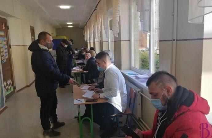 Другий тур виборів у Винниках: прийдіть і проголосуйте
