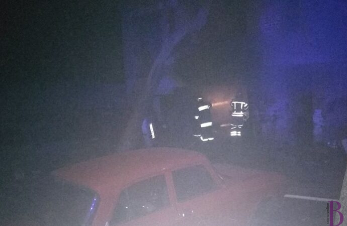 У гаражі на вулиці Котляревського у Винниках згорів автомобіль