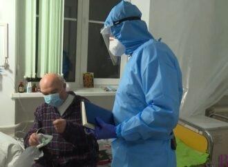 Лікар-винниківчанин Омелян Синенький провів екскурсію для коронаскептиків (Відео)