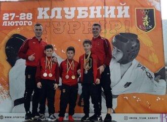 Серед 600 спортсменів винниківські каратисти здобули 17 золотих нагород