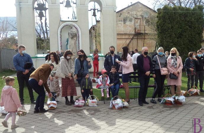 Винниківська міська рада сердечно вітає мешканців міста зі святом Воскресіння Христового!